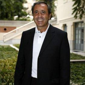 Severiano Ballesteros, el mejor golfista español de la historia, se recupera satisfactoriamente de un tumor cerebral.