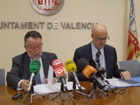 El Alcalde y el teniente de Alcalde en la presentación. Foto: Web de la Mostra